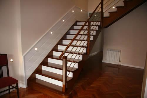Escaleras y barandas comercial andrade de maderas - Pasamanos de madera modernos ...